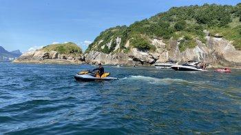 Passeio ilhas Tijucas Inclui: Fotos e vídeos📸 dentro e fora da água com câmera go pro, instrutor, colete e combustível. No passeio o instrutor quem pilota pois é necessário ter habilitação Motonauta