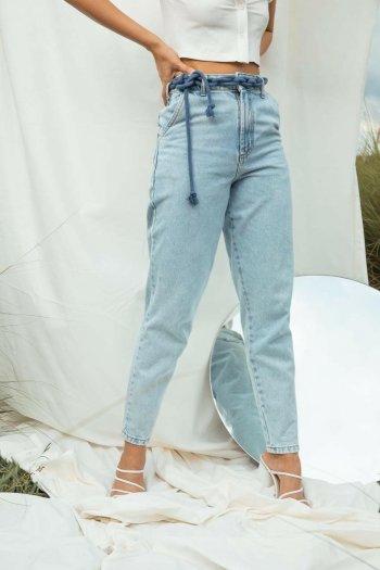 Calça jeans cinto cadarço