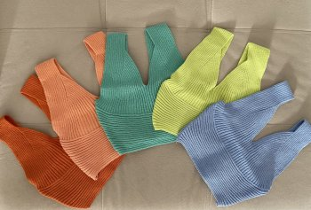 Cropped tricot alça larga