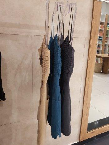 Macaquinho shorts saia detalhes frizos Salgu