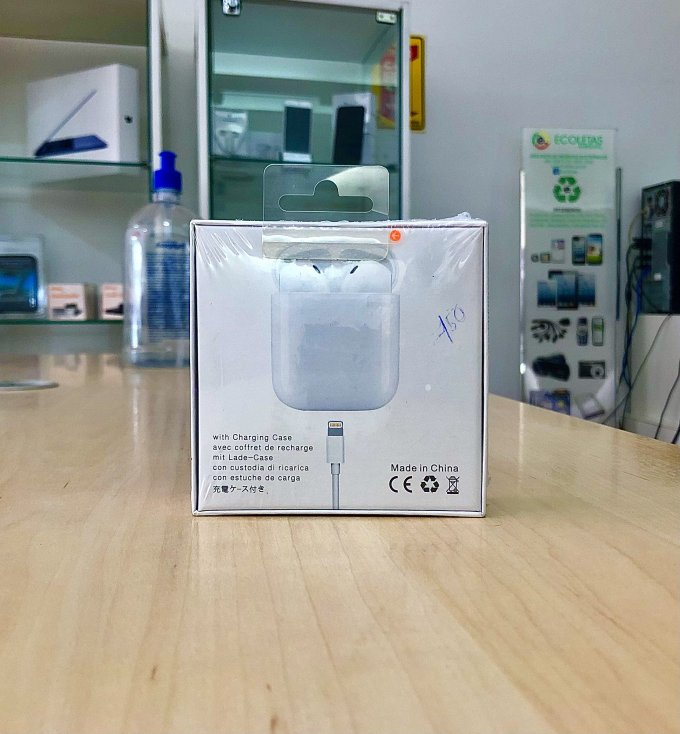 AirPods with Charging Case avec coffret de recharge mit Lade-Charge